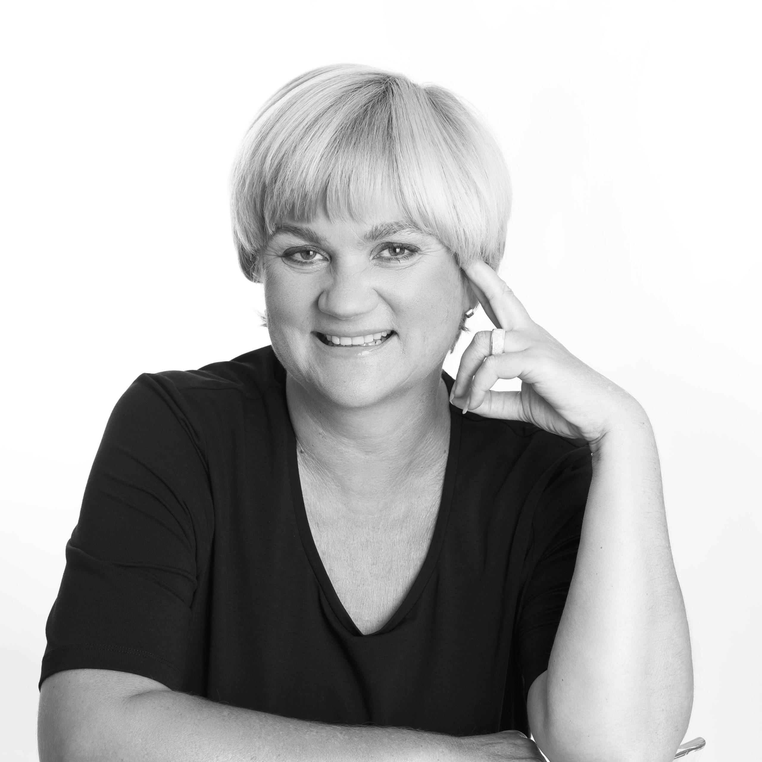 Dein LinkedIn Profil: Unternehmer Special Absprung | IMG 1987a sw Auss scaled
